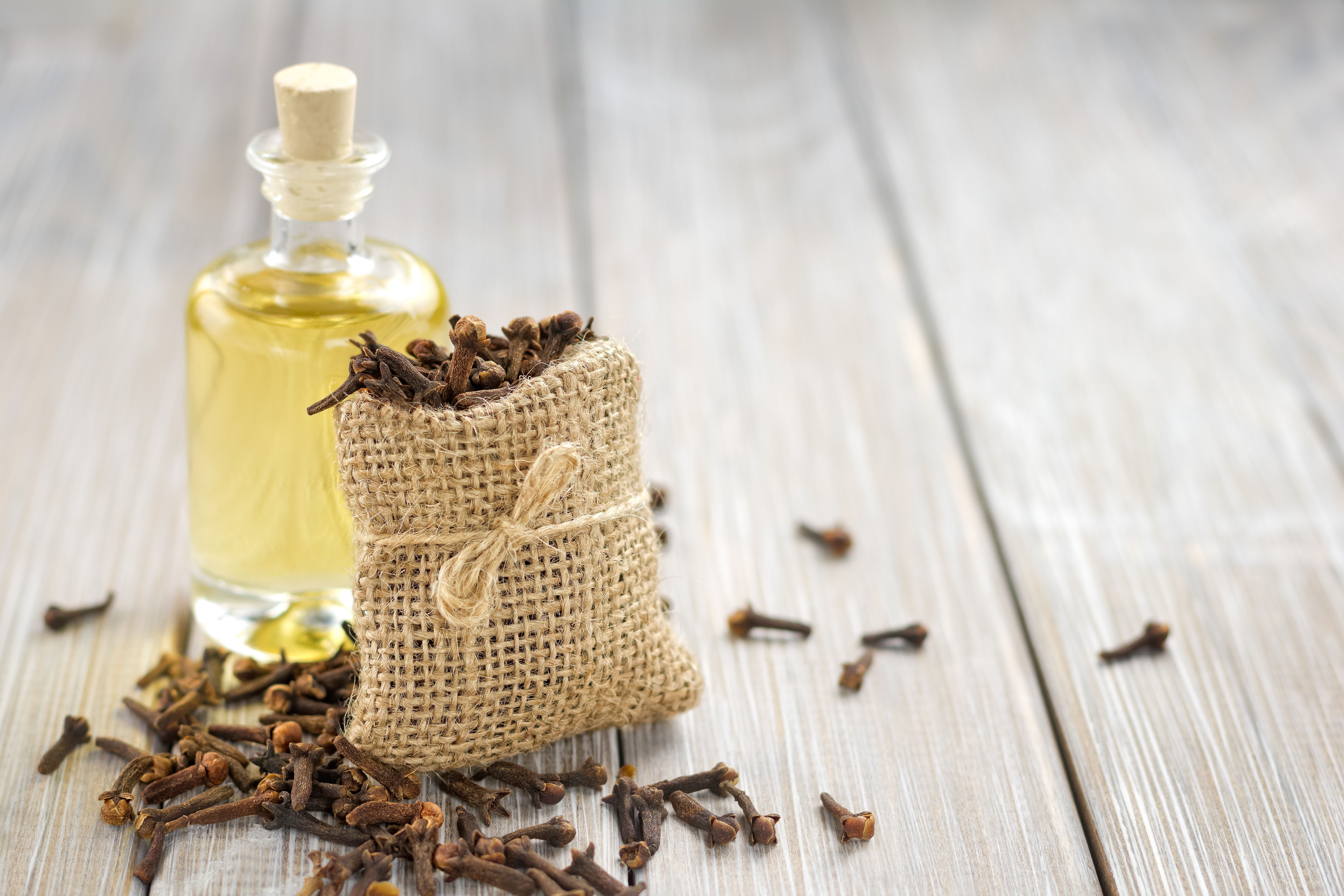 Acne Treatment by Clove Oil – a Natural Remedy