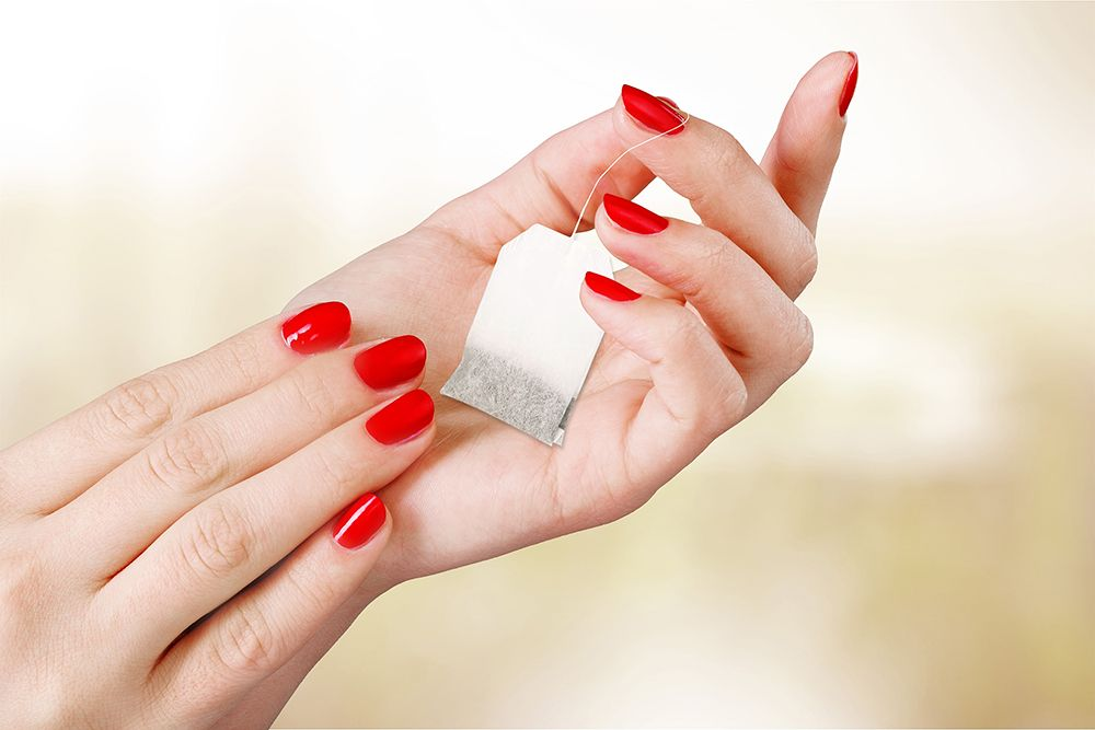 Perfect those broken manicure tips with just a tea bag.