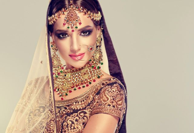 Indian Bridal Makeup – Everything a Bride needs to know about Makeup before Wedding