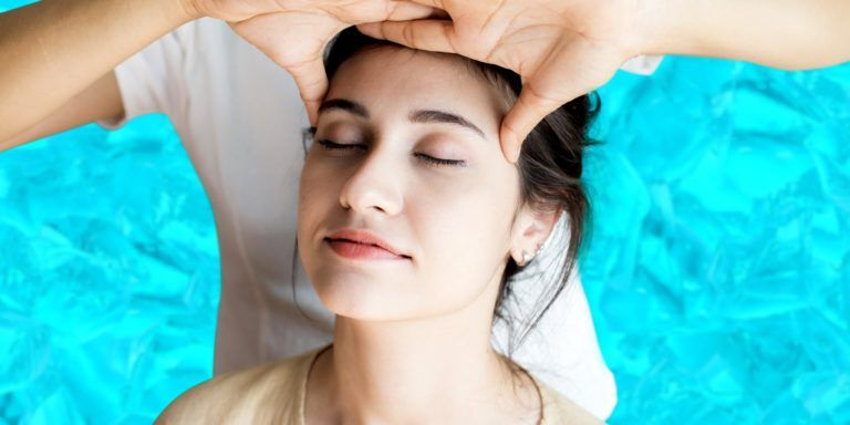 Stay cool with icy cool head massage in Hyderabad
