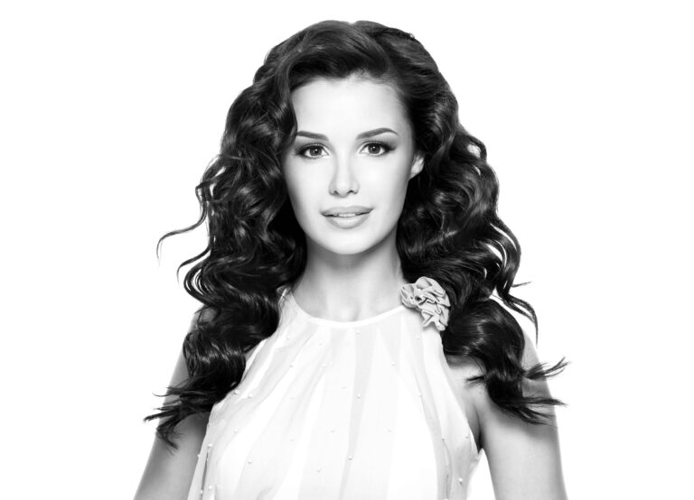 Best Festive Hairstyle for Curly Hair in 2021